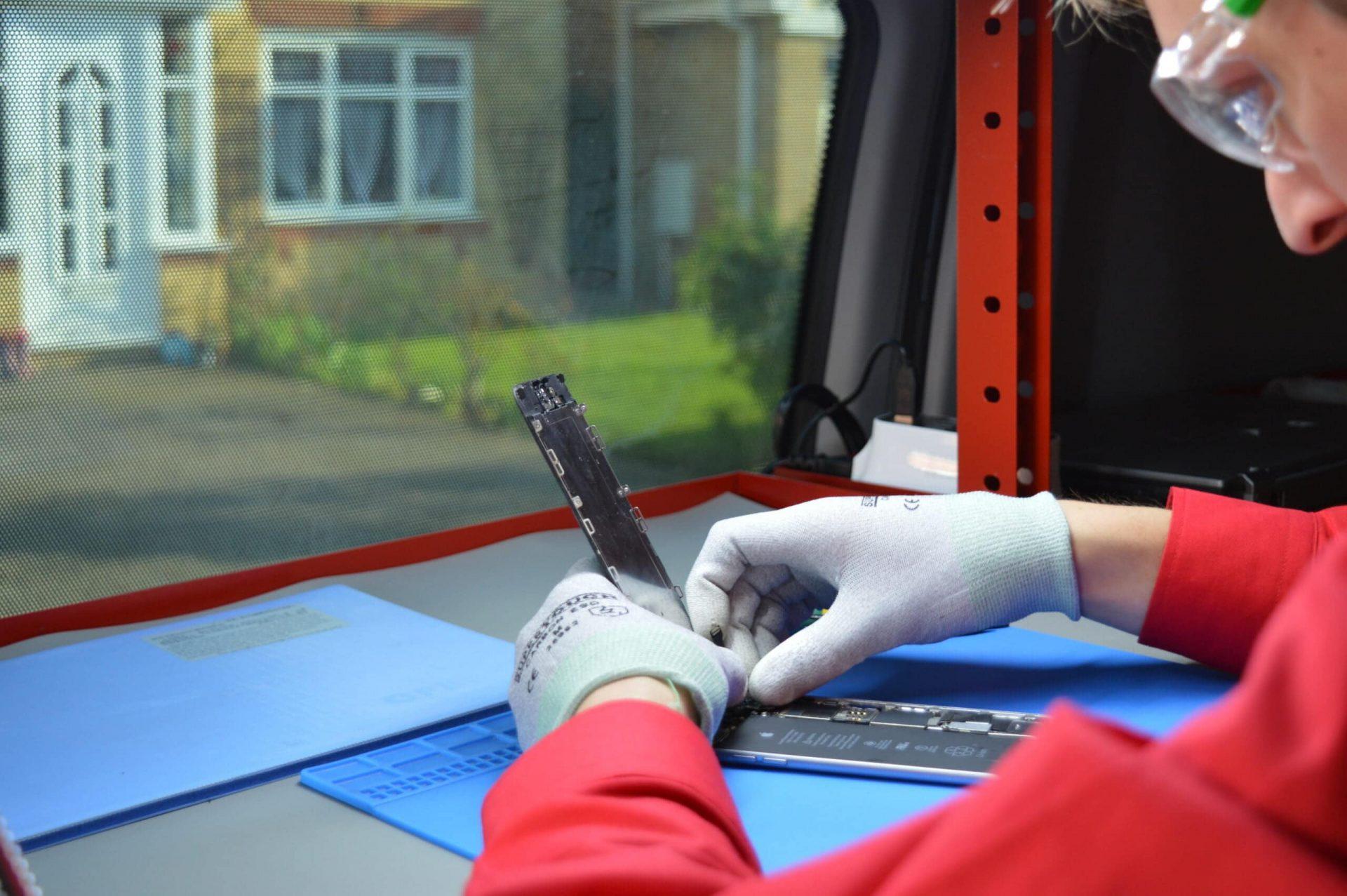 1 hour mobile phone repairs